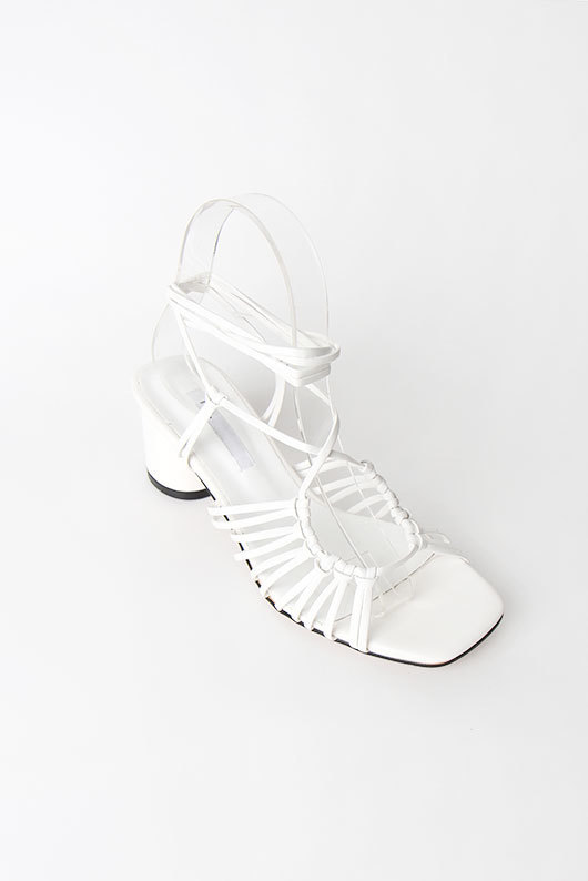 HOLE STRAP SANDALS