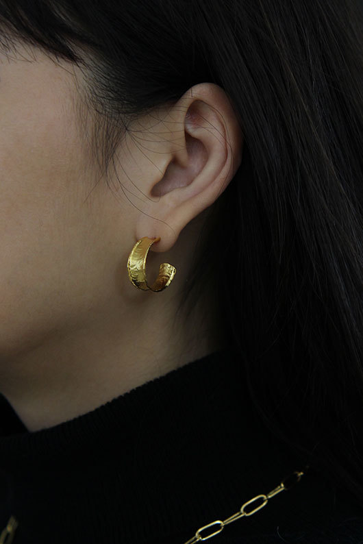 FLAT GOLD EARRINGS