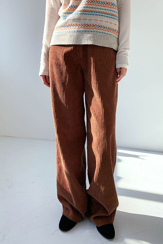 OUR CORDUROY COLOR PANTS (BROWN M SIZE)