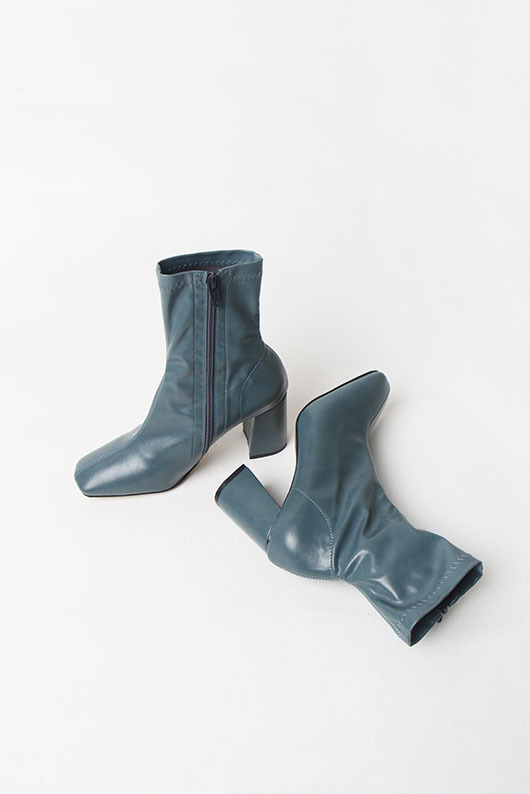 POINT COLOR ANKLE BOOTS