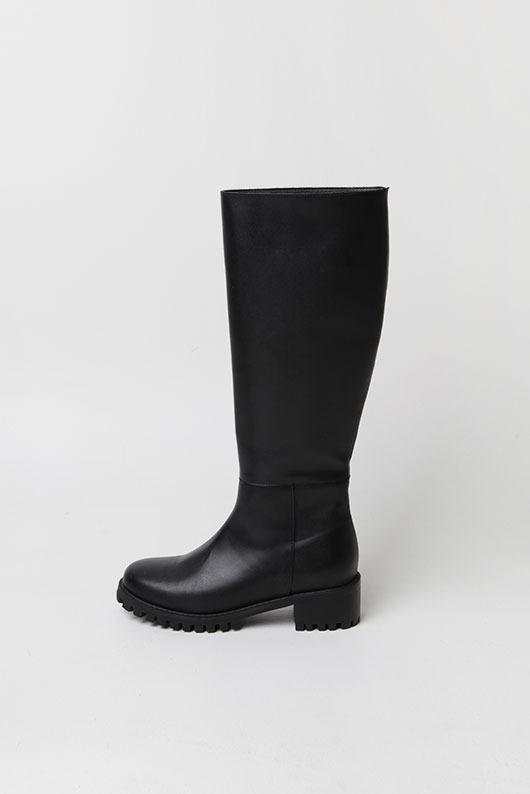 ROUND BLACK LONG BOOTS