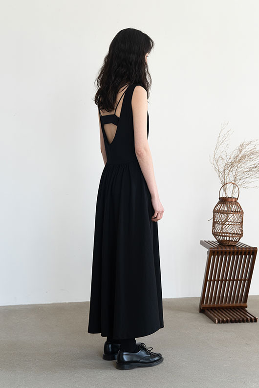MONNO DRESS (BLACK)