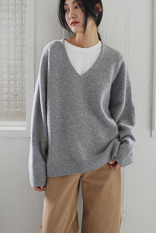 WHOLE GARMENT V NECK KNIT (4 COLOR)