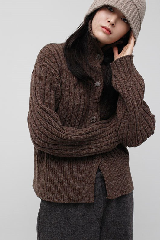 TO KNIT CARDIGAN (BROWN COLOR)