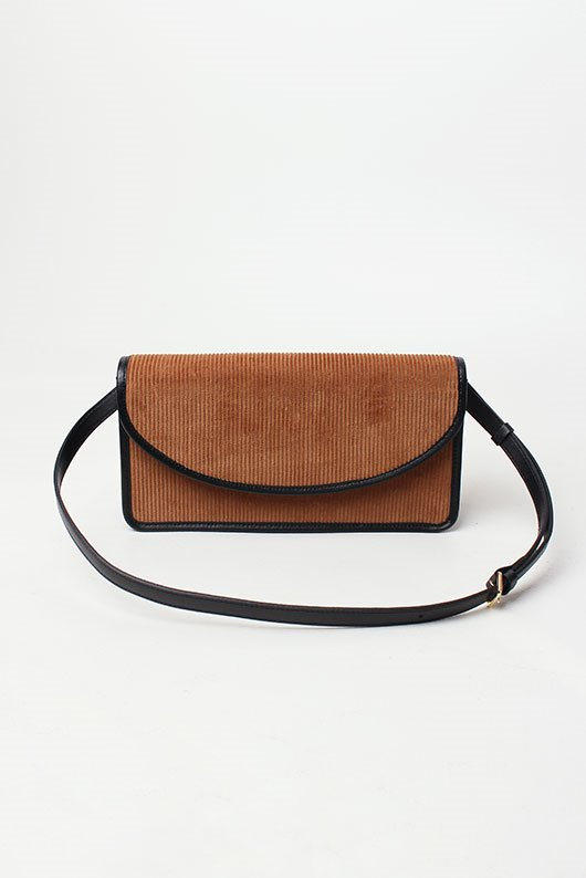 LEATHER SQUARE BAG (3 COLOR)
