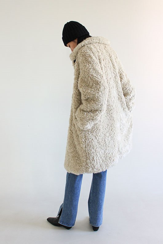 SHEARING LONG COAT (BEIGE COLOR)